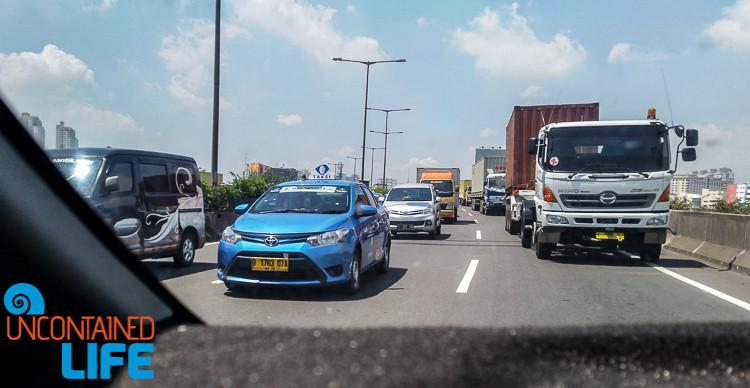 Taxis in Jakarta, Traffic
